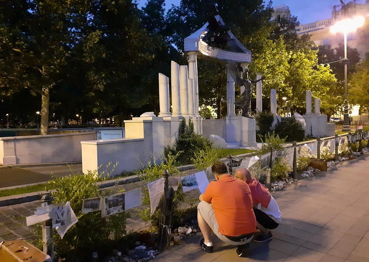 Memorial por los caídos durante la ocupación nazi y contramemorial no oficial